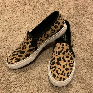 Keds Leopard slip on with dream foam insole Size 9